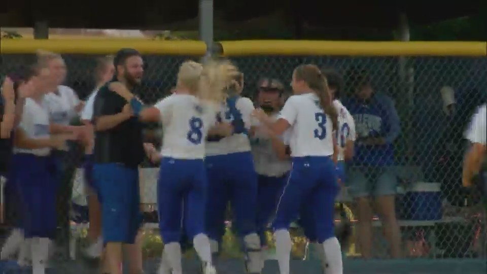Bellevue softball upsets top-seeded Durant
