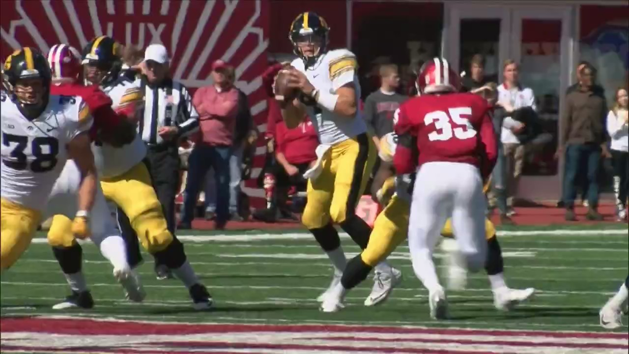 Hawkeyes win big over Hoosiers