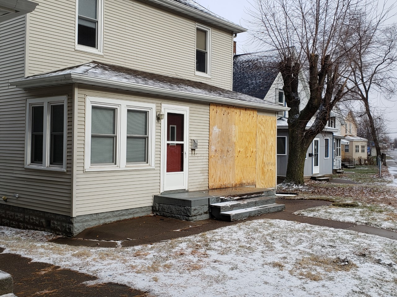 Damage to a house after being hit by a car in East Moline, Illinois on January 11, 2020 (Bryan Bobb, Ourquadcities.com)