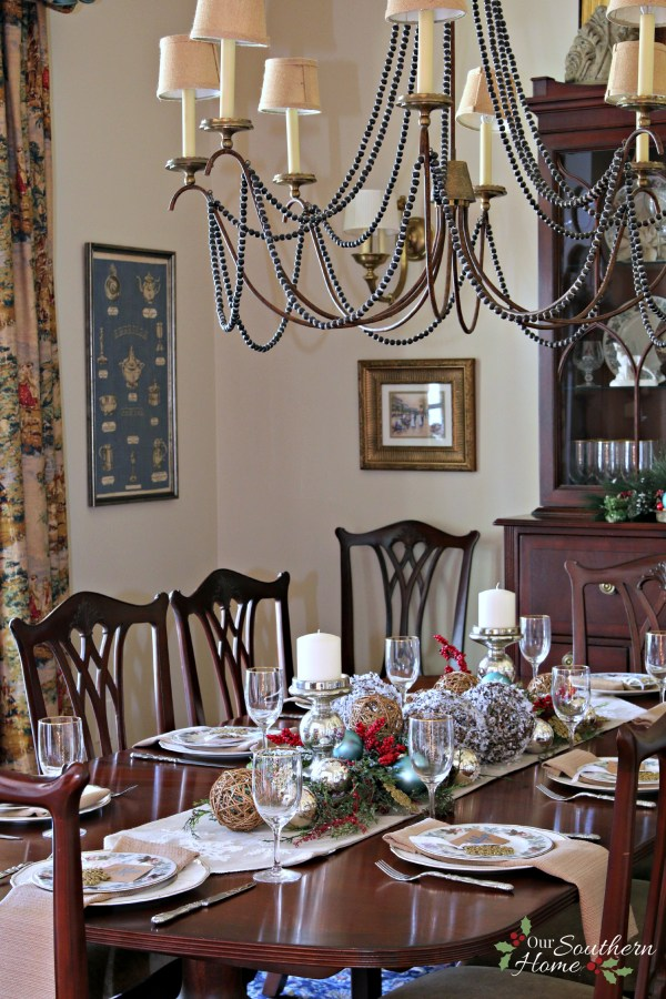 Today I'm excited to be sharing our formal Christmas Dining Room!