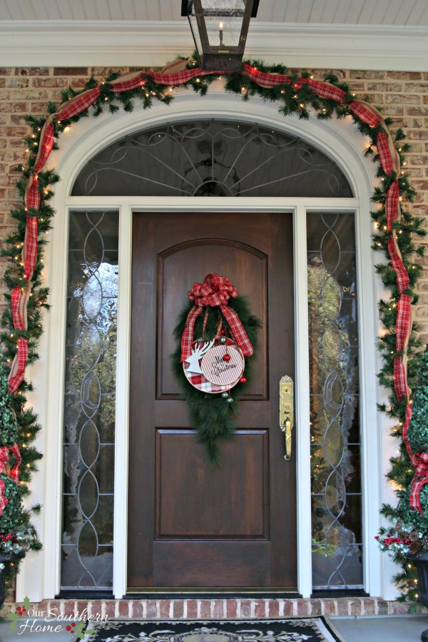 christmas front door / Christmas Front Porch / www.oursouthernhomesc.com