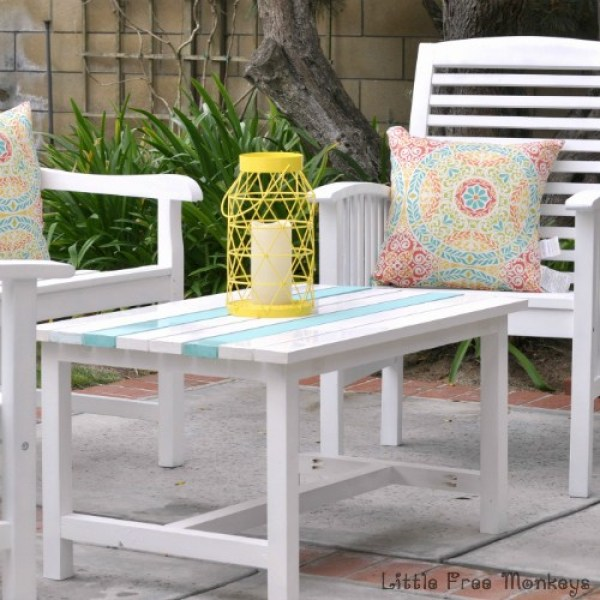 DIY-outdoor-coffee-table-square