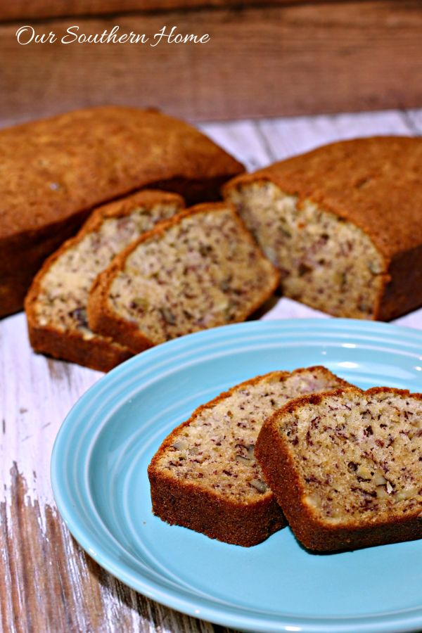 Recipe for the best homemade banana nut bread! This is perfect to make ahead and freeze for gift giving by Our Southern Home