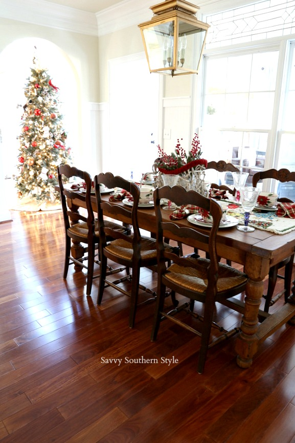 Christmas traditions shared by some of your favorite bloggers across the country! #christmas