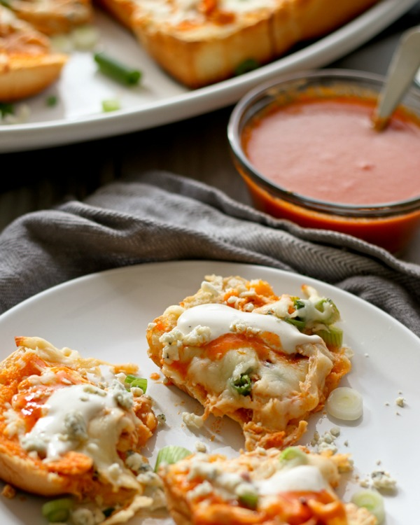 Insmonbuffalo-chicken-pizza-bread-recipe-8