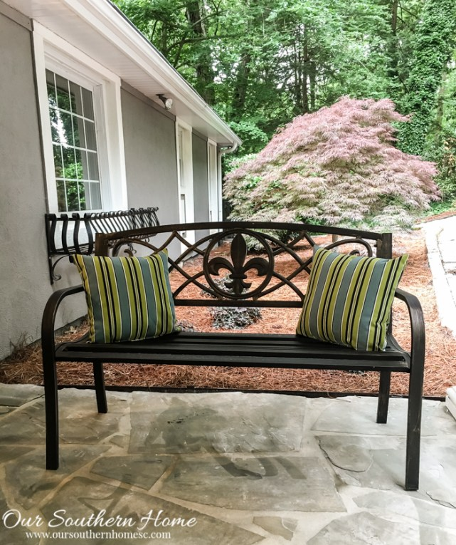 Affordable porch makeover with Big Lots. Big Lots is great for seasonal decor!!! #ad #outdoorliving
