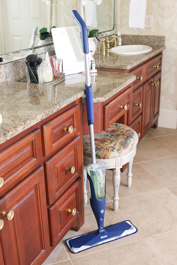 BONA Stone, Tile & Laminate Cleaner is the perfect way to do spring cleaning right! #ad #BonaLaminateCleaner #showthelove #springclean
