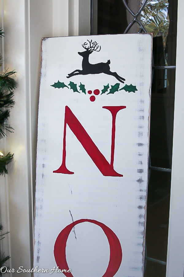 DIY Vintage Noel Sign is perfect for Christmas!