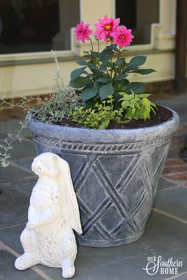 DIY faux aged concrete painted pot makeover! Save money and refresh what you have with paint!