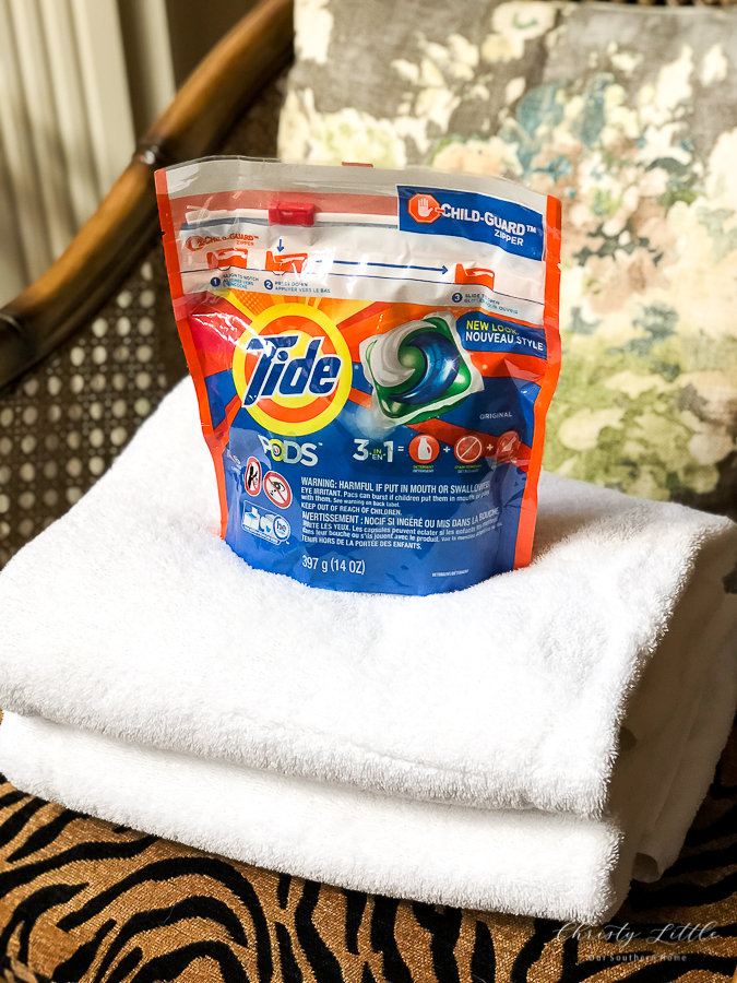 tide pods and towels