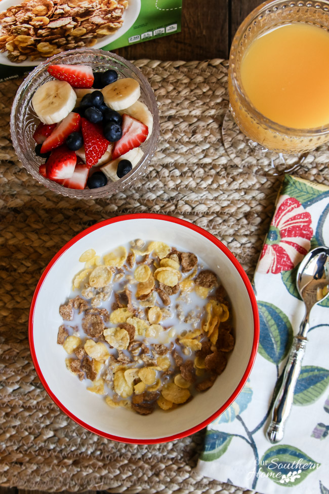Create a morning ritual for yourself to carve out a little me time! My morning ritual is taking 30 mintues to eat breakfast and read a book. via Our Southern Home #poweryourmorning #ad #naturevalleycereal