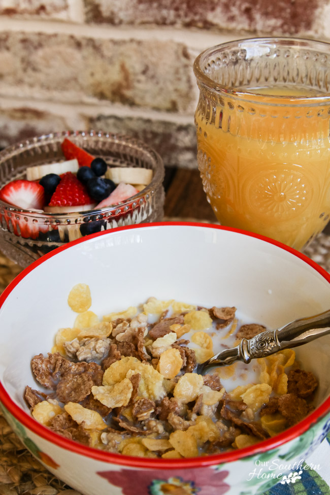 Create a morning ritual for yourself to carve out a little me time! My morning ritual is taking 30 mintues to eat breakfast and read a book. via Our Southern Home #poweryourmorning #ad