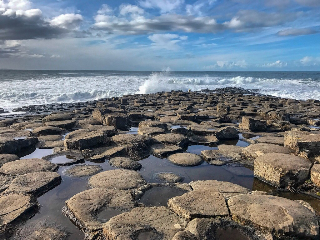 You cannot miss the Giants Causeway during your 7 days in Ireland. It is absolutely stunning with its hexagonal stones along the coast.