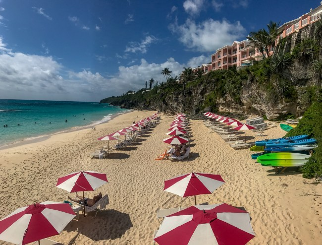 This is by far one of Bermuda's best kept secret beaches. It is a private beach located at the Reefs Resort & Club.
