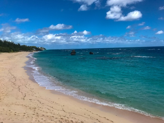 Warwick Long Bay Beach is one of the best beaches in Bermuda. It is a lot more quiet than Horseshoe Bay Beach, but just as beautiful.