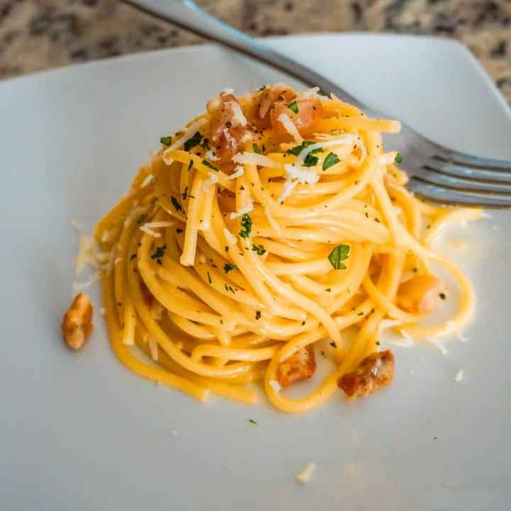 Easy and Delicious Spaghetti Carbonara