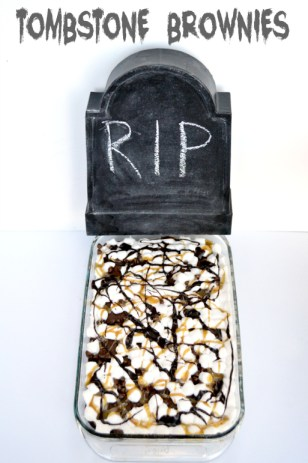 Tombstone Brownies, perfect for your Halloween party