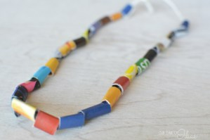 FREE kids crafts – DIY Kids necklace