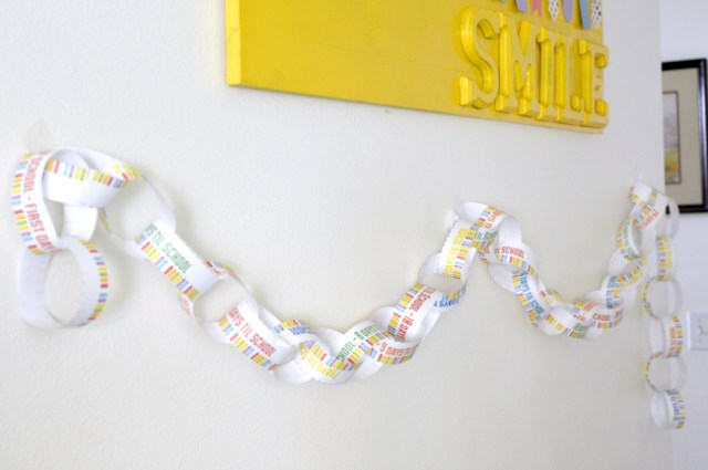 FREE Print & Cut #BackToSchool countdown chain. Let your kids get excited about BTS by putting together this chain leading up to the first day of school. Printable has each day up to 45 days til school, and even a few blank ones.