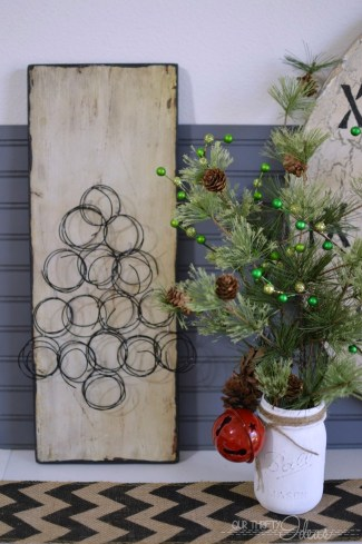 Such a fun idea to make a Christmas Tree our of springs, and you can DIY your own faux springs!