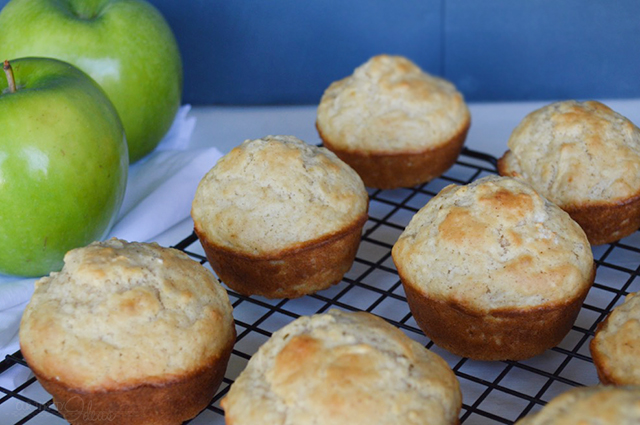 cinnamon apple breakfast muffins