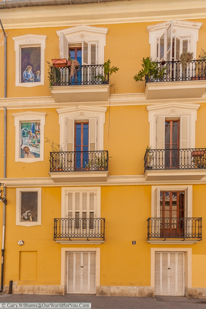 Check out the extra windows in Plaça de Sant Nicolau, Valencia, Spain