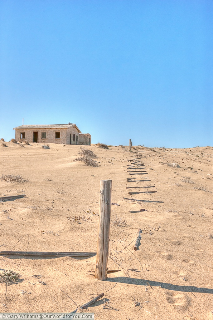 Isolated building, Kolmanskop, Namibia
