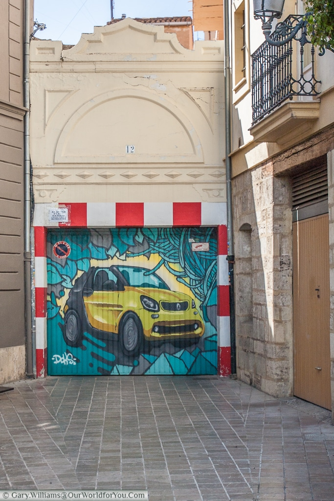 A beautifully decorated garage door in Valencia, Spain