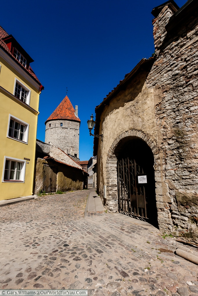 A quiet cobbled lane around the back streets of Tallinn.