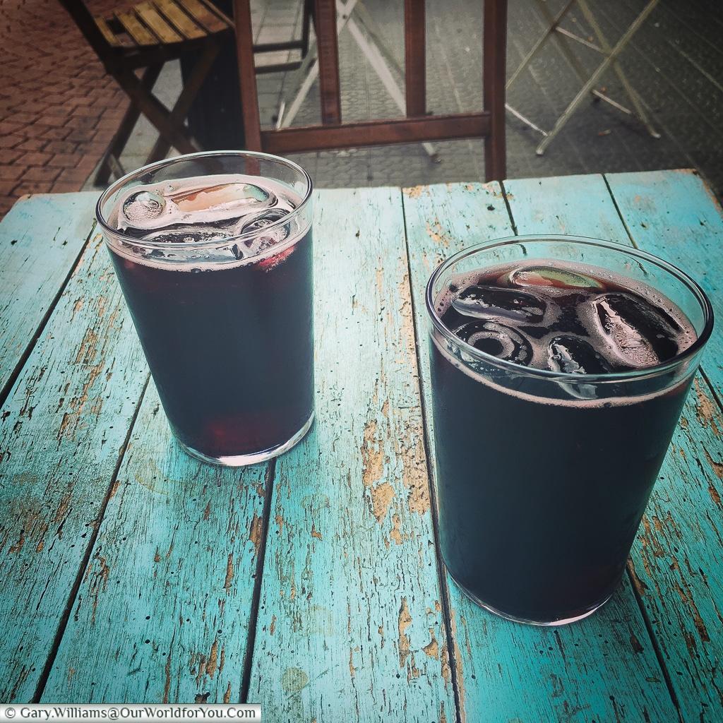 Kalimotxo or Calimocho - red wine & coke