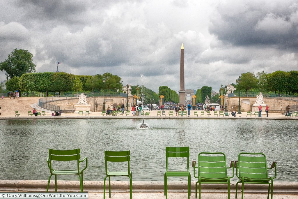 Overlooking the Bassin Octagonal in the Jardin des Tuileries, Paros
