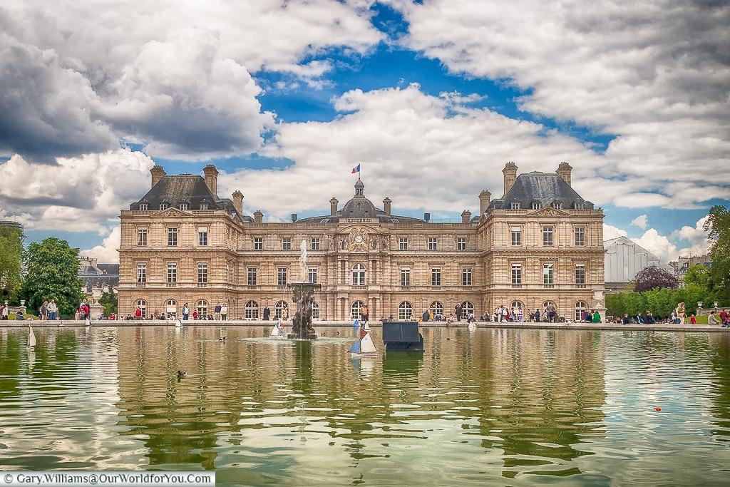 Palais du Luxembourg in Le Jardin du Luxembourg, Paris, France