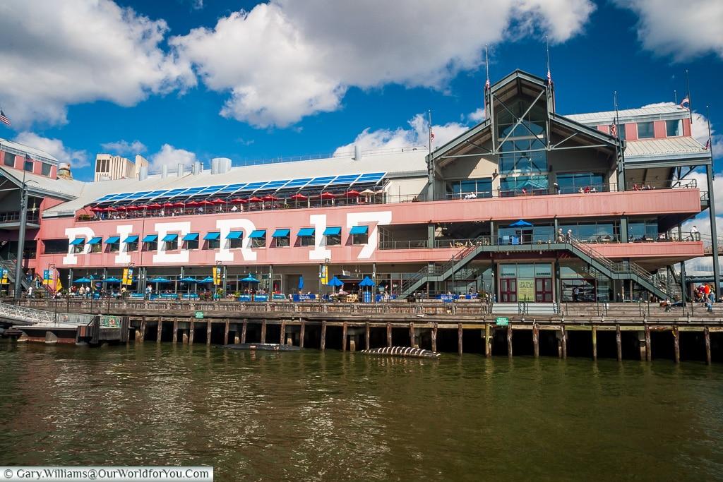 Pier 17, Manhattan, New York, USA