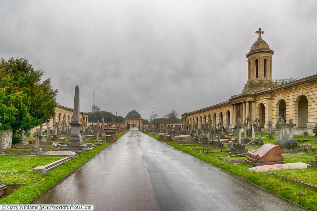 The Main Avenue, Brompton Cemetery, London, England, UK