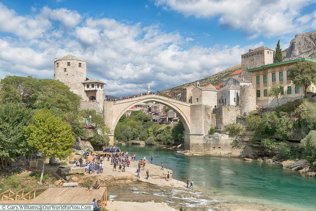 Groups in front of the Stari Most, Mostar, Bosnia and Herzegovina