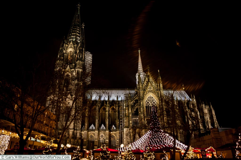 The Dom towers over the Christmas Market, Cologne, Germany