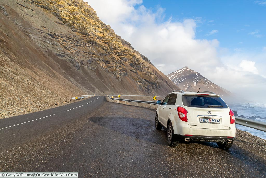 Etta on the quiet eastern roads, Driving in Iceland