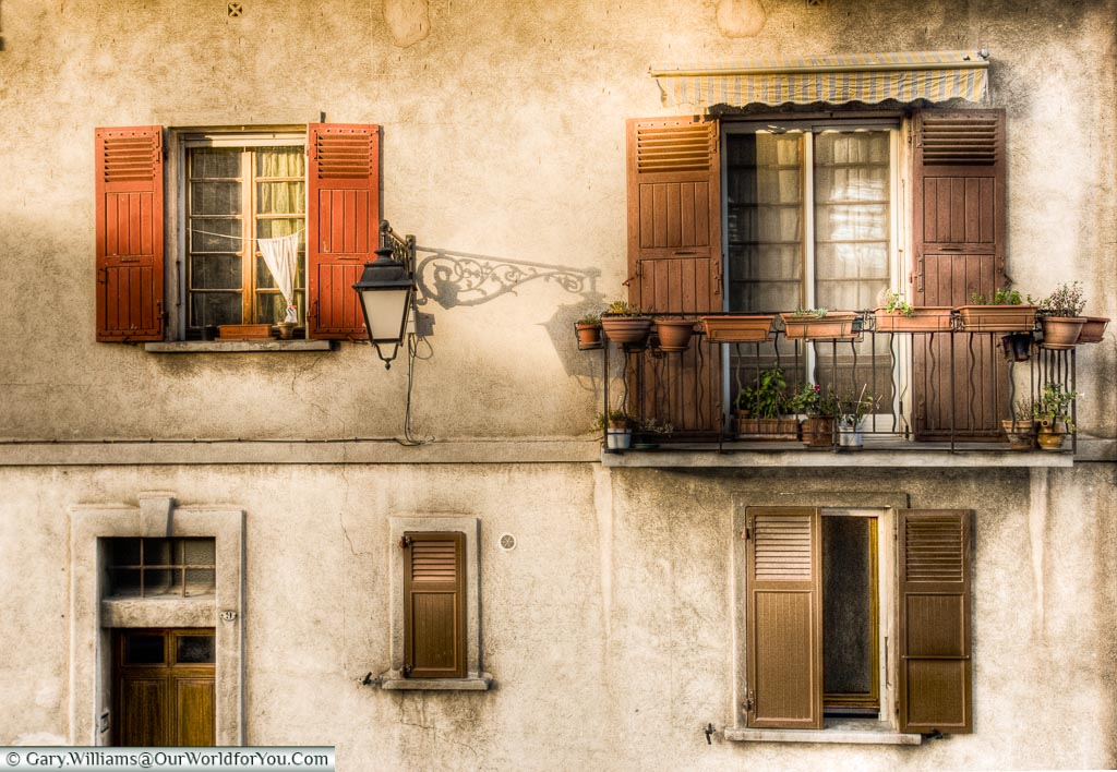 A window in Arles, Provence, France