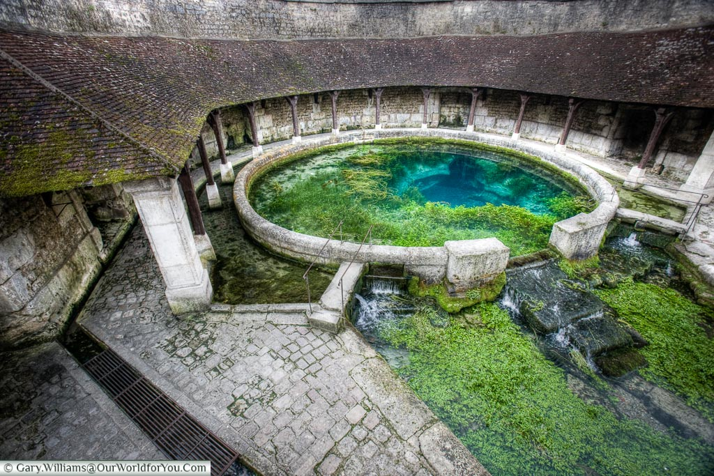 The wash pool Tonnerre, France
