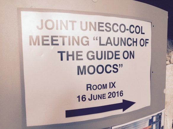 Making Sense of MOOCs: A Guide to Policy Makers in Developing Countries