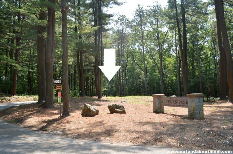 Mohegan Park Entrance