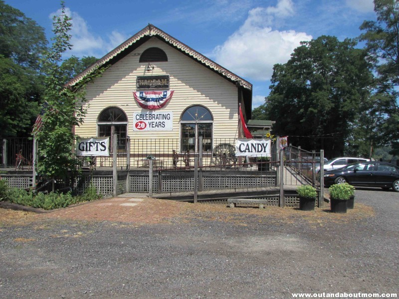 Country Store 5