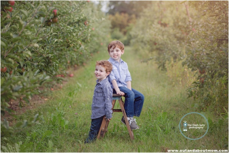 gale-family-fall-apple-picking-web_0003
