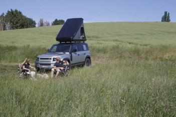 04_Land-Rover-en-Autohome-ontwikkelen-robuuste-daktent-voor-nieuwe-Defender-110