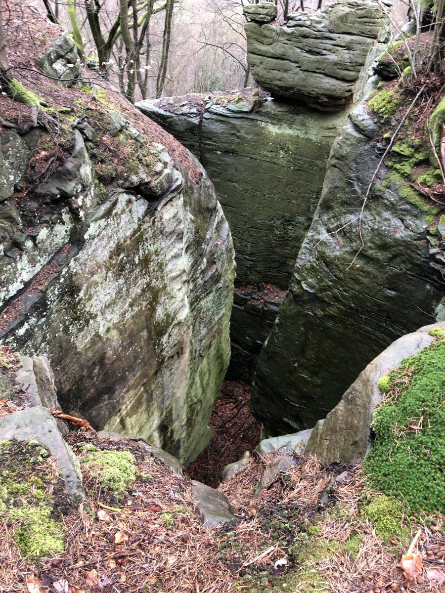 Grillige rotsen langs route 2
