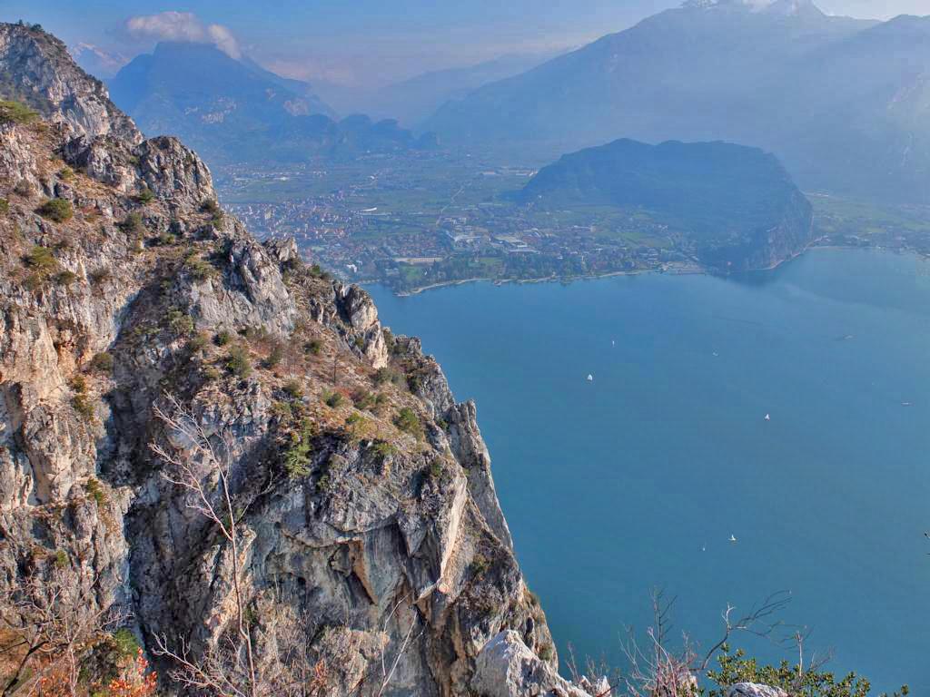 Klettersteig Riva Del Garda : Klettersteig via dell amicizia am gardasee von riva del garda