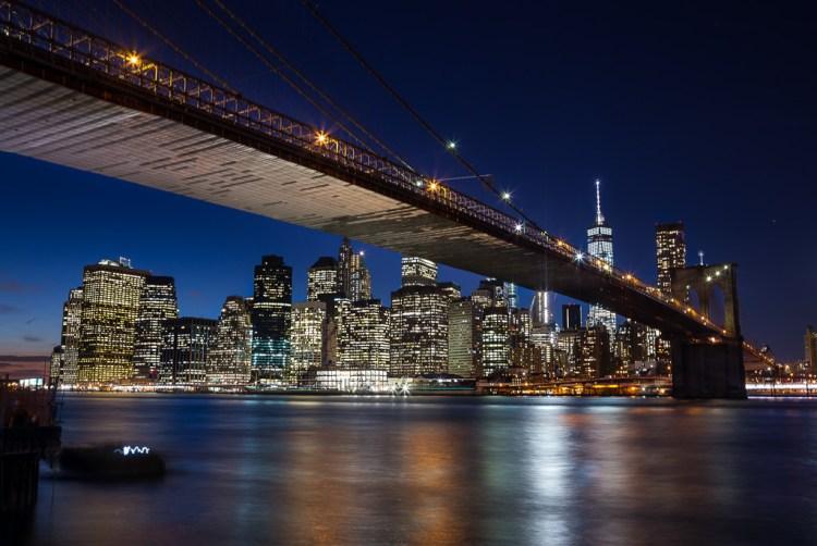 Long exposure example of the Brooklyn Bridge.