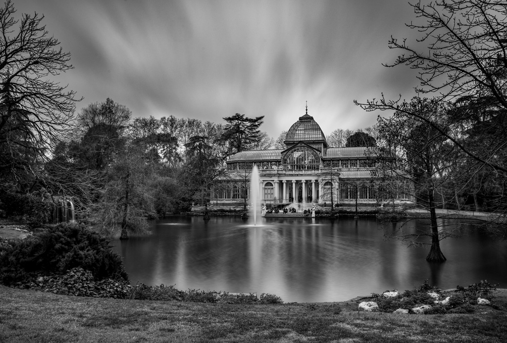 Long exposure example of Crystal Palace in Retiro Park