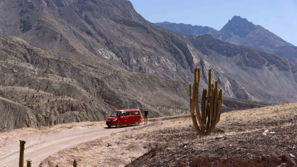 Explore the 3000m deep Cotahuasi canyon | the less touristy alternative to Colca Canyon