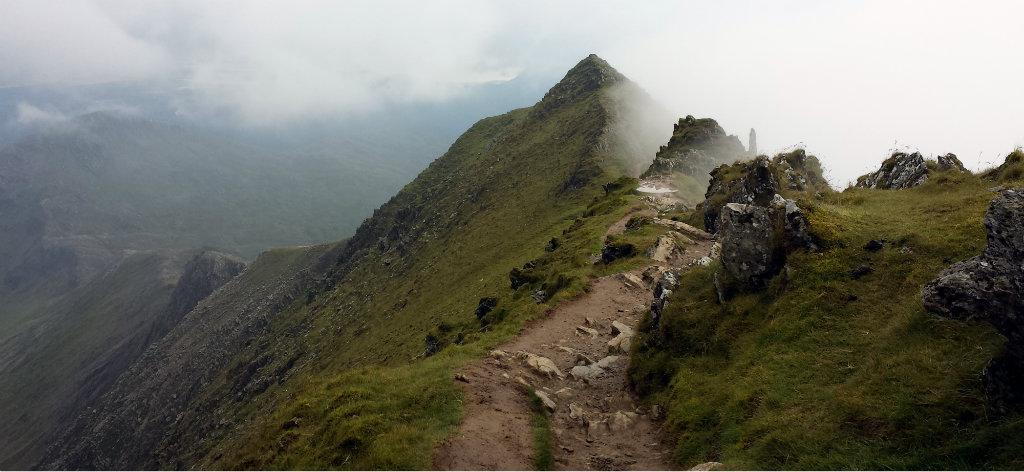 Rhyd Ddu Track as the cloud moved on to reveal some sky and glorious views